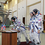 CG4G8732 --- (6 May 2015) --- At the Gagarin Cosmonaut Training Center in Star City, Russia, Expedition 44/45 backup Flight Engineer Timothy Peake of the European Space Agency signs in for the first of two days of qualification exams May 6 as his crewmate