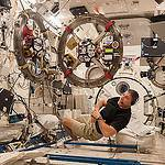 Astronaut Mike Hopkins With SPHERES-RINGS